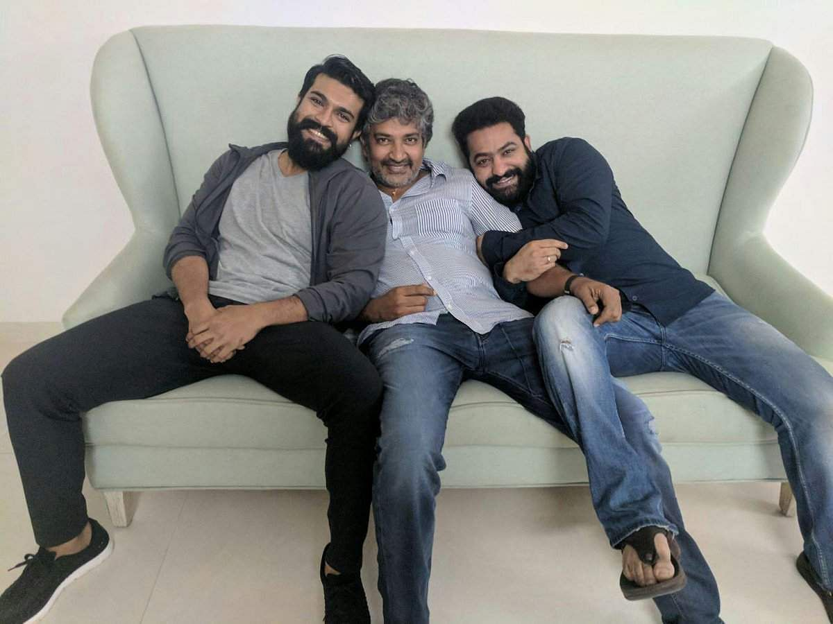 Candid Pic: Rajamouli with Tarak and Charan