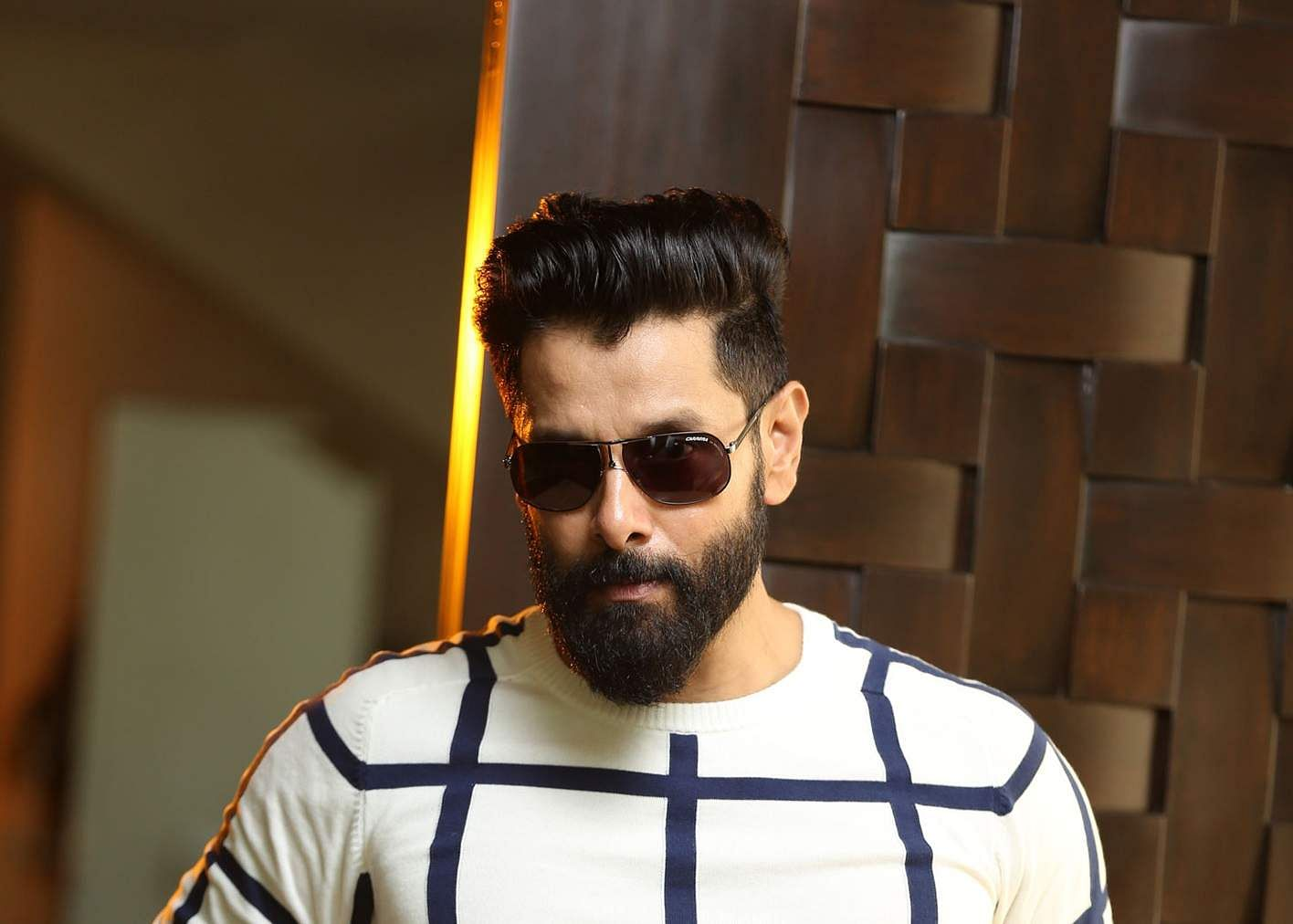 Vikram Resumes Shooting For Saamy Square Cinema Express