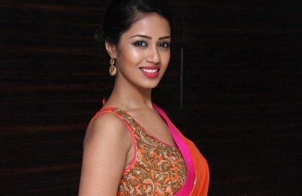 Nivetha-Pethuraj-Images-At-Oru-Naal-Koothu-Audio-Launch-01_(1)