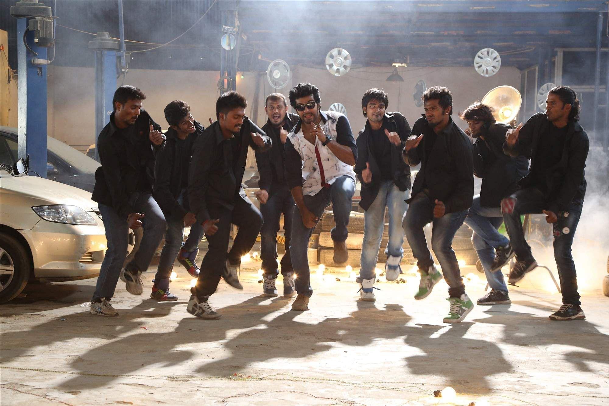 Aayirathil_Iruvar_Movie_Stills_(13)