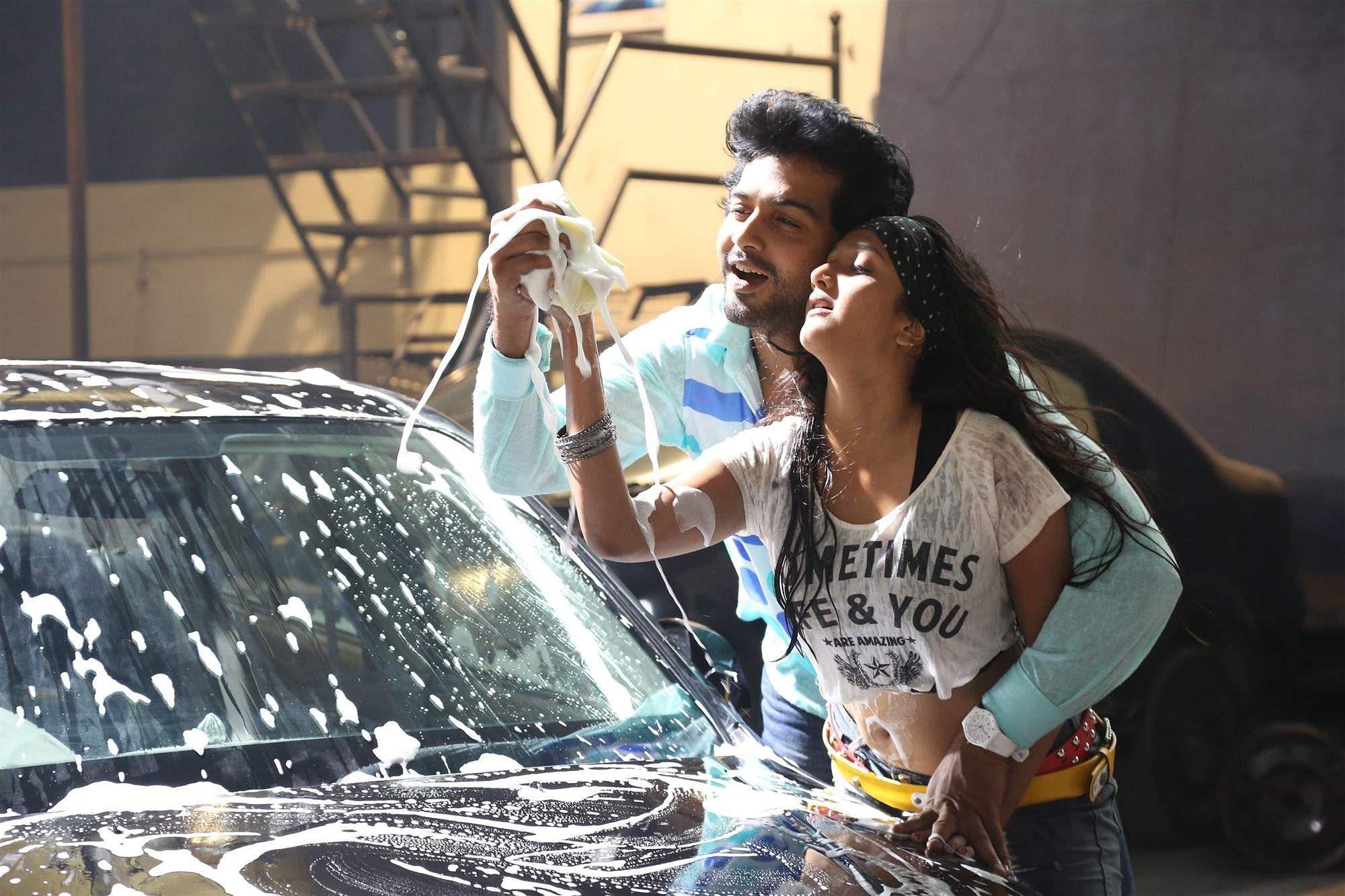 Aayirathil_Iruvar_Movie_Stills_(15)