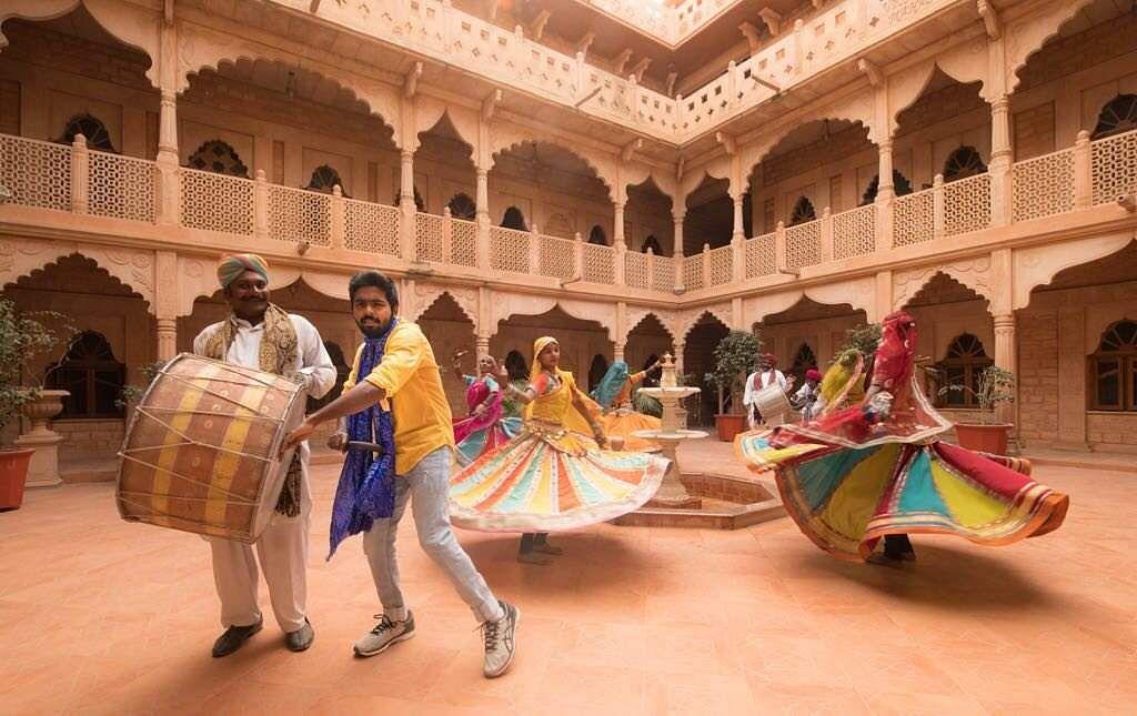 Rajiv-Menon-Sarvam-Thaala-Mayam-Stills-GV-Prakash-Aparna-Balamurali-2
