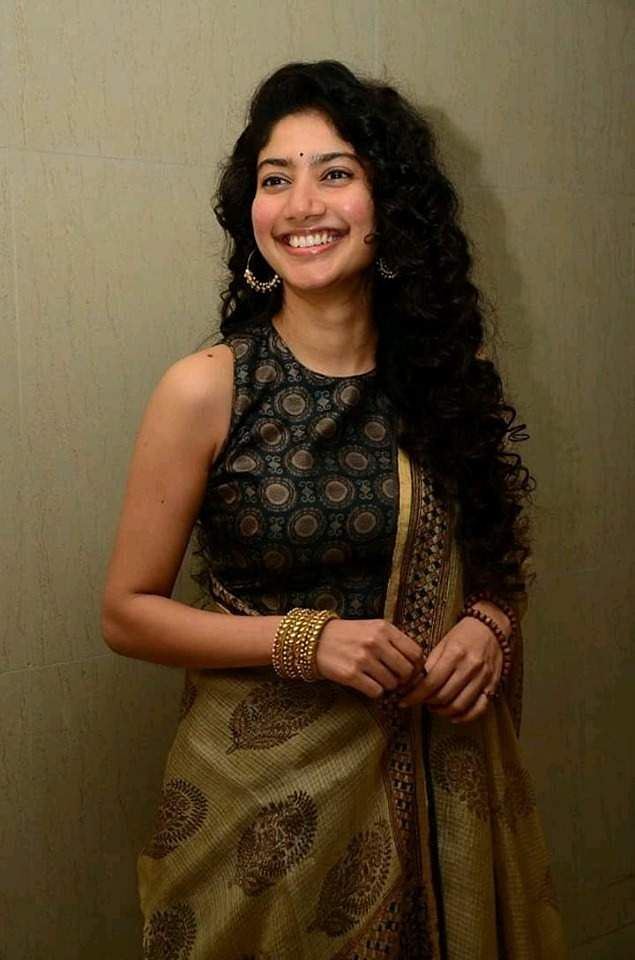 Sai Pallavi clicked at Suriya's NGK PreRelease event
