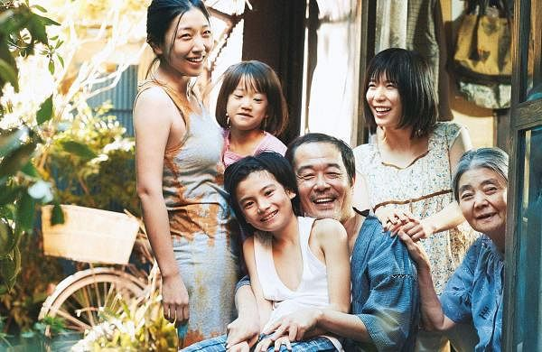 Shoplifters-Movie-Review