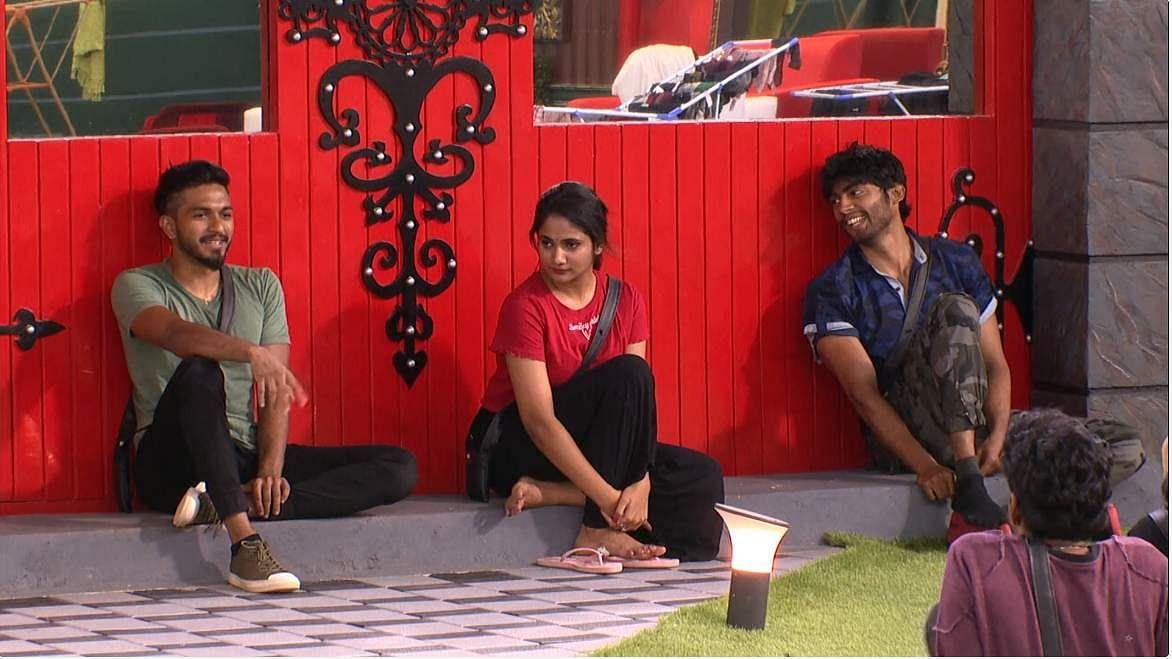 Bigg BossTamil 3: Superstar Rajini (Cheran), Thala Ajith (Kavin), Captain Vijaykanth (Saravanan), Trisha (Losliya), Simbu (Sandy) and Saroja Devi (Madhumitha) impress at the Bigg Boss house