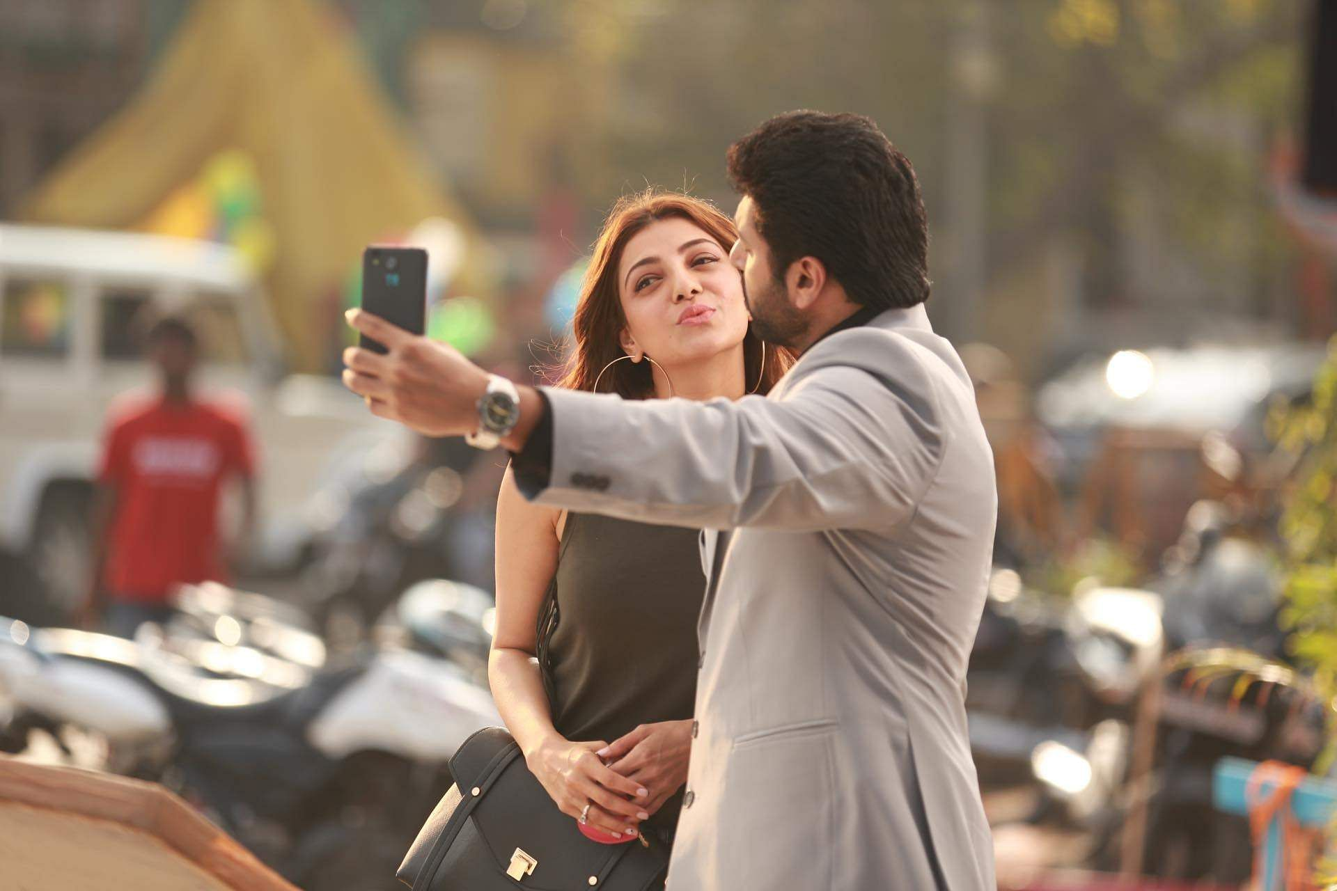 Latest clicks of Jayam Ravi, Kajal Aggarwal from their new film Comali