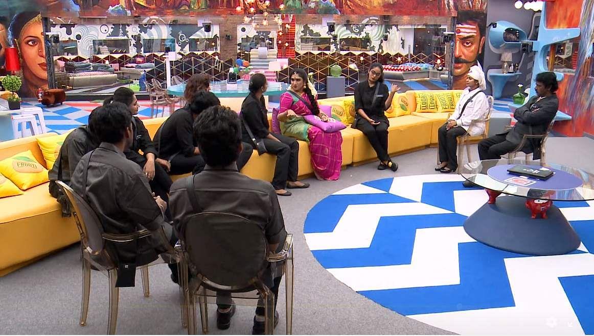 12Bigg Boss Tamil 3: Vanitha returns to the Bigg Boss house