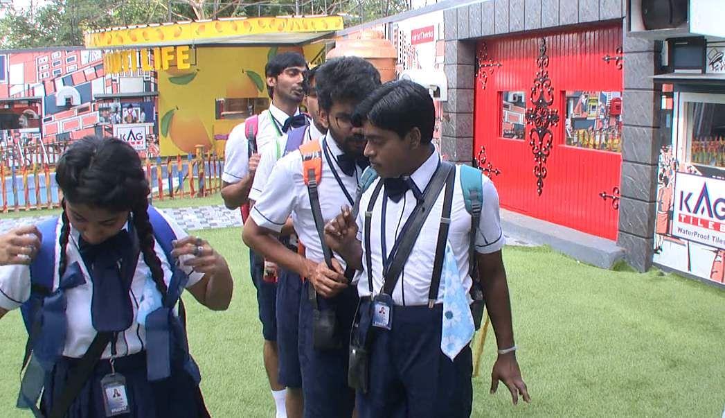 3Bigg Boss Tamil 3 - A new feud boils between Vanitha and Kasturi