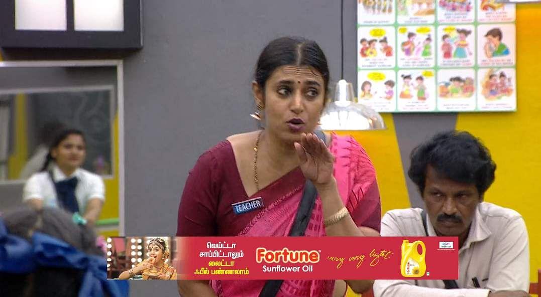 5Bigg Boss Tamil 3 - A new feud boils between Vanitha and Kasturi