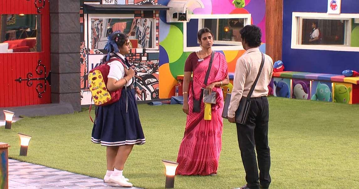 8Bigg Boss Tamil 3 - A new feud boils between Vanitha and Kasturi