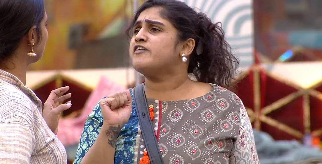 9Bigg Boss Tamil 3 - A new feud boils between Vanitha and Kasturi
