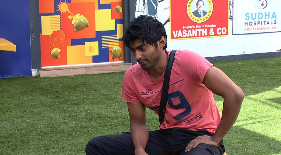1Bigg Boss Tamil 3 - Kasturi breaks down. Cheran to talk to Kavin about relationship with Losliya in the next episode.
