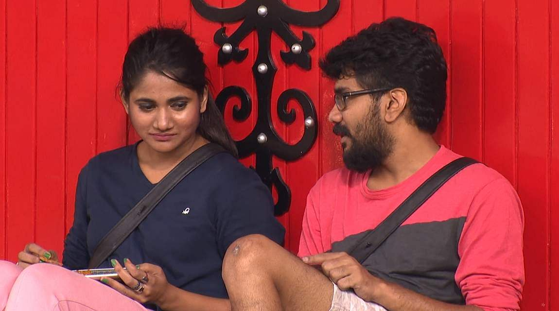 13Bigg Boss Tamil 3 - Kasturi breaks down. Cheran to talk to Kavin about relationship with Losliya in the next episode.