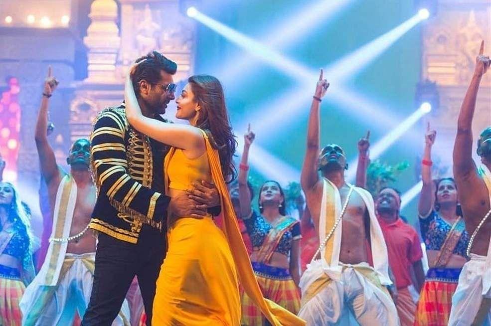 comali-movie-stills-hd-images-jayam-ravi-kajal-aggarwal-yogi-babu-3eaac9b