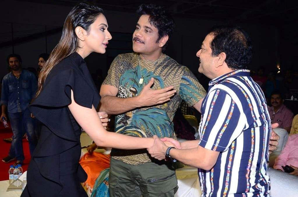 Clicks from the pre-release event of Nagarjuna, Rakul Preet Singh starrer Manmadhudu 2