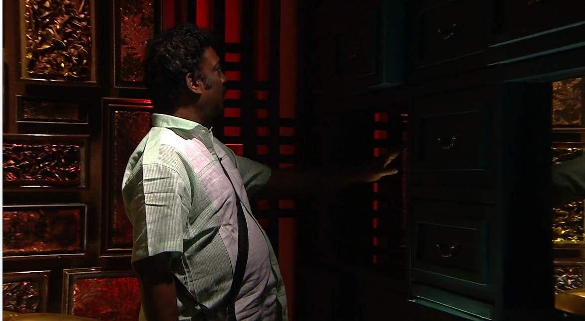 14Bigg Boss Tamil 3: Saravanan's eviction, Losliya's nominationand Sakshi's backstabbing