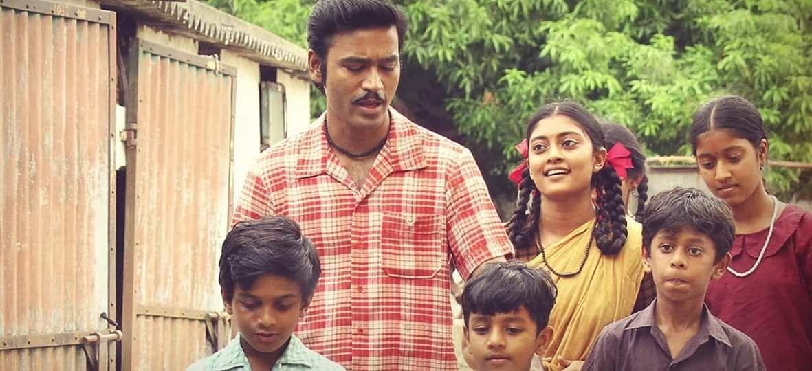 Yen Mikukki from Asuran: Brand new stills featuring Dhanush, Manu Warrier  and Ammu Abhirami- Cinema express