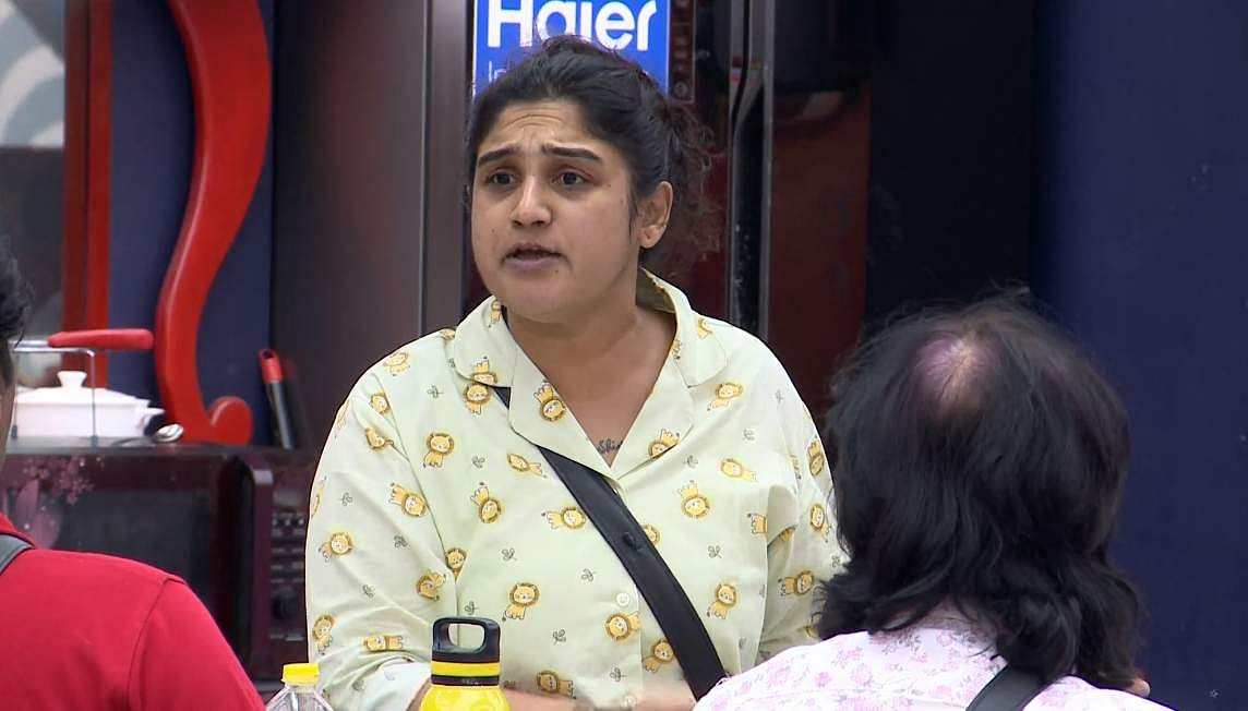 3Bigg Boss Tamil 3 - Sherin goes after Vanitha's derogatory comments about her