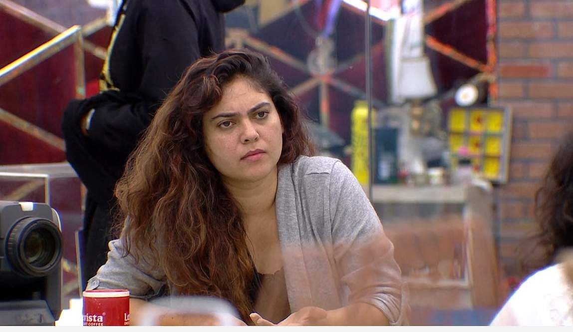 6Bigg Boss Tamil 3 - Sherin goes after Vanitha's derogatory comments about her