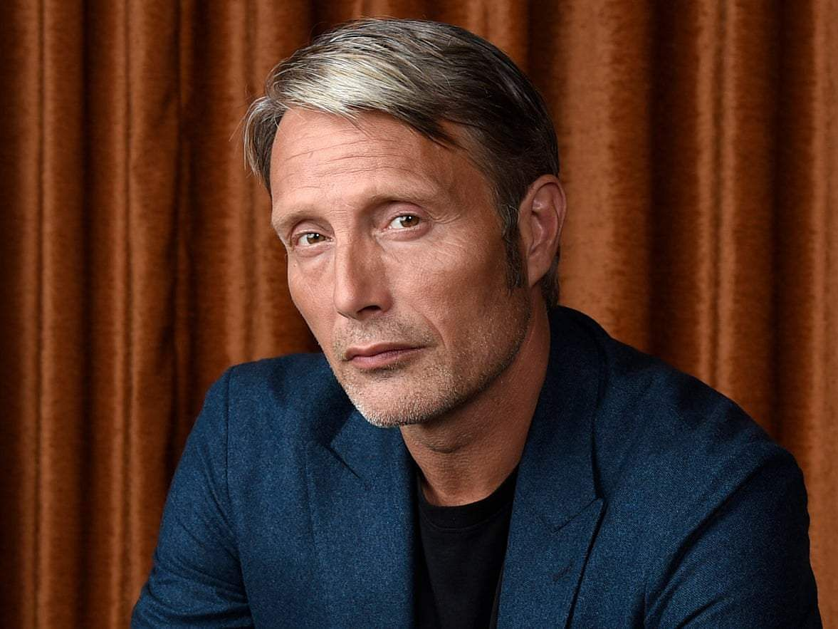 Mads Mikkelsen officially replaces Johnny Depp in Fantastic Beasts 3