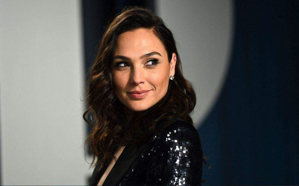 Gal Gadot to play the lead in Heart of Stone