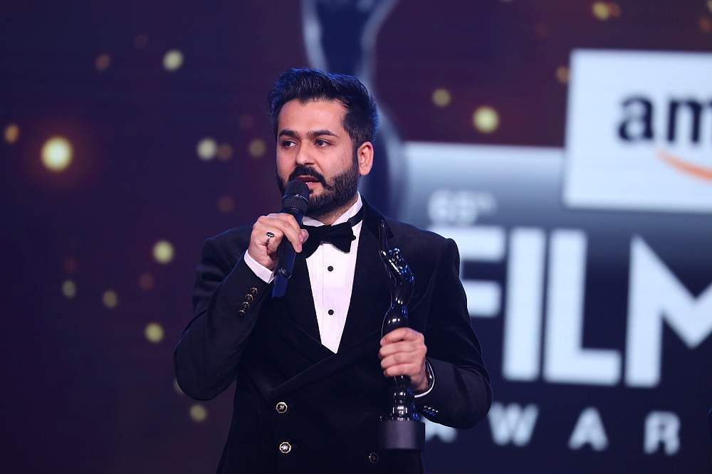 65th_Amazon_Filmfare_Awards_2020_-_Aditya_Dhar_wins_the_Best_Debut_Director