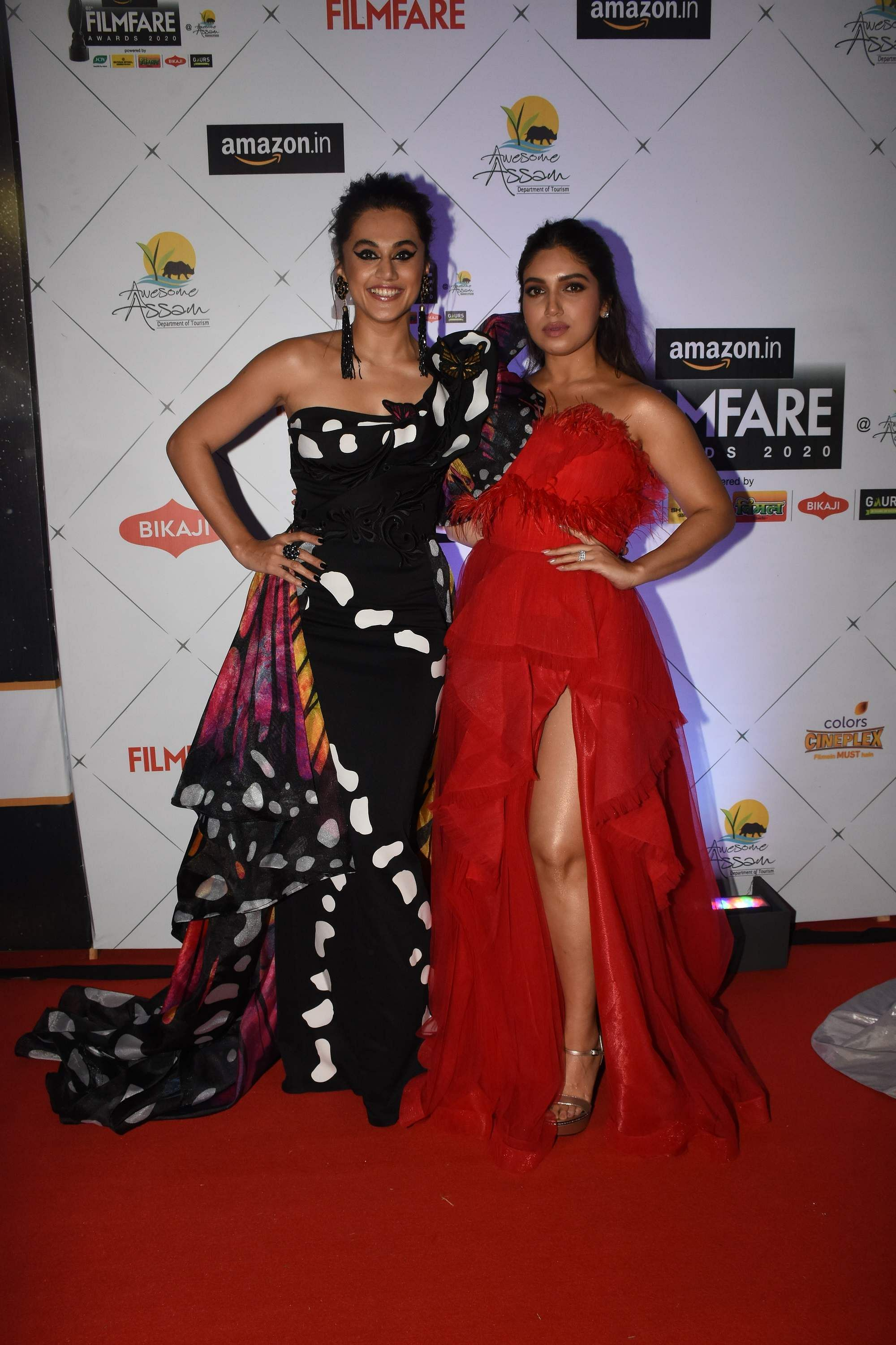 Tapsee_Pannu_and_Bhumi_Pednekar_at_the_65th_Amazon_Filmfare_Awards_2020
