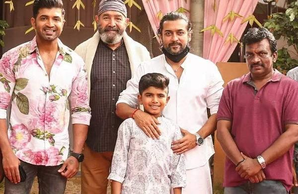 Arun Vijay joins the sets of his son's debut film