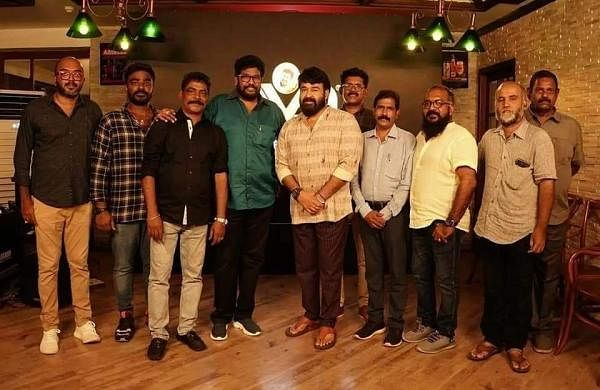 Mohanlal with Alone crew
