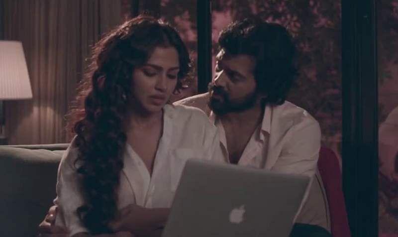 Kamal Haasan and Rani Mukerji in Hey Ram