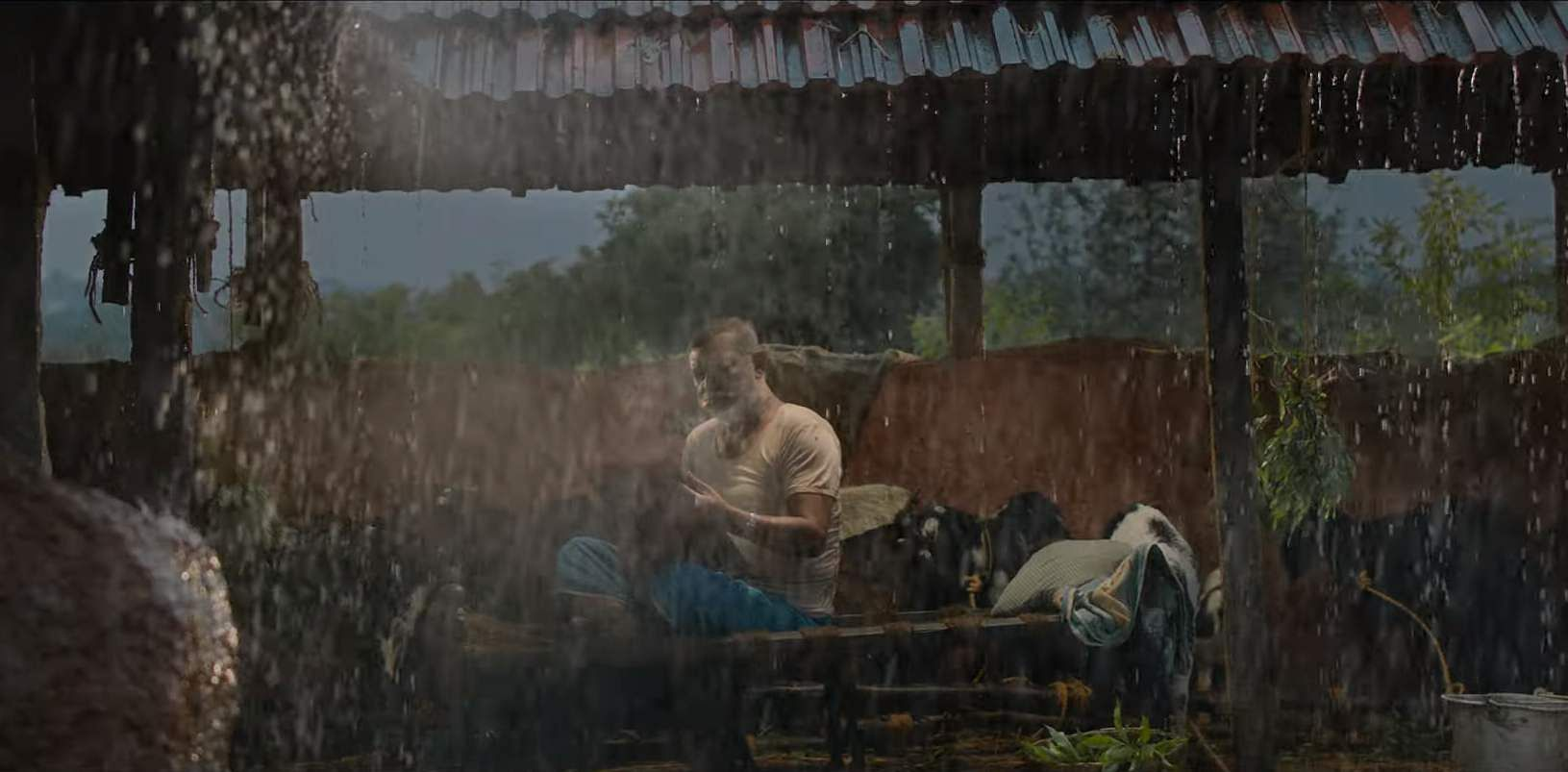 Draupathaiyin Muttham -  Frames from Thattaan Thattaan celebrating Rain, Rural side, and Rajisha