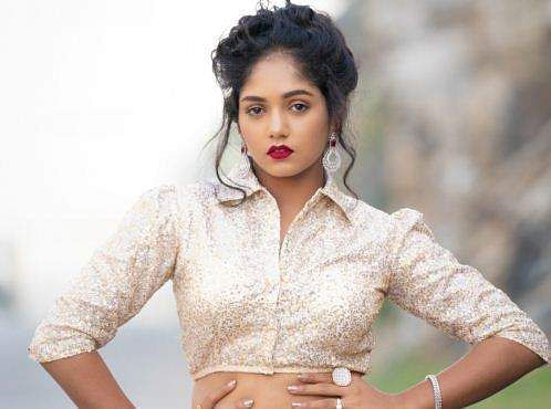 Bhavya Gowda to make her silver screen debut with Dear Kanmani