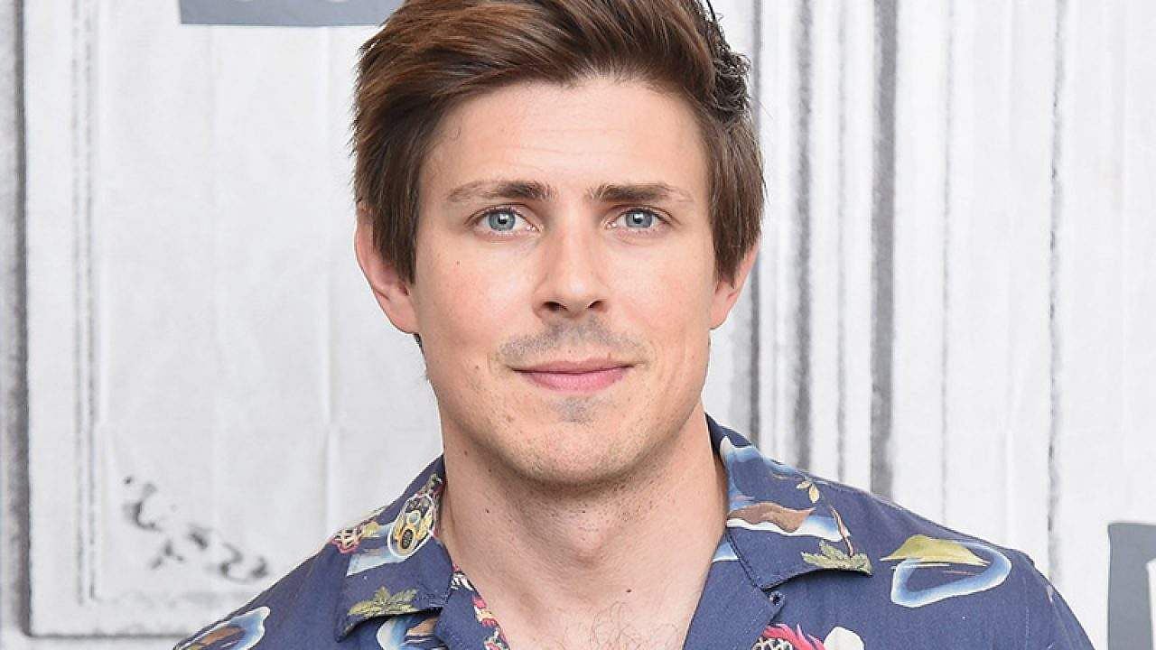 Chris Lowell joins the cast of How I Met Your Father