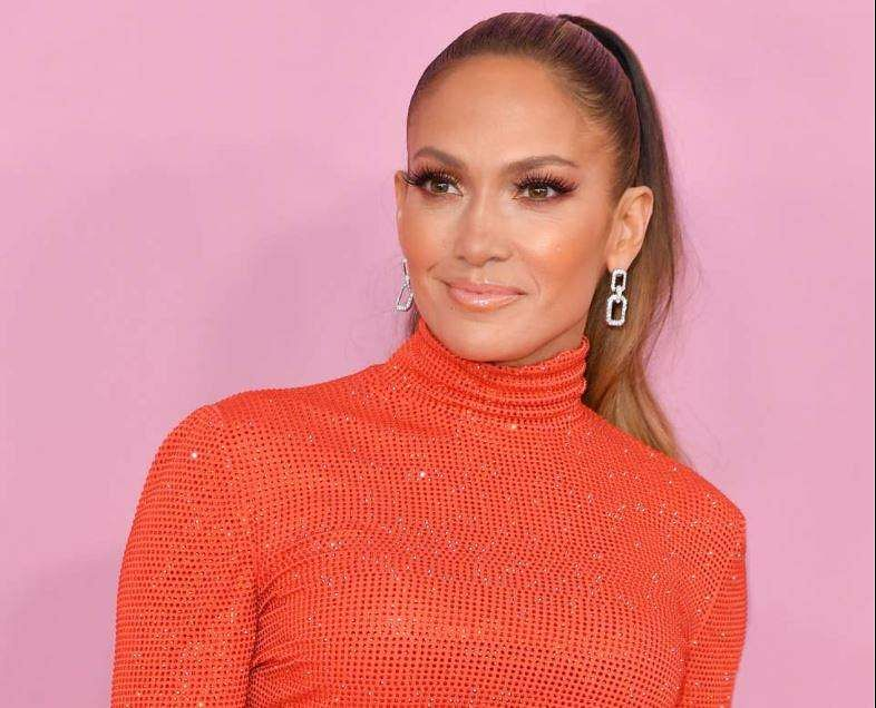 Jennifer Lopez signsmulti-year production Deal With Netflix