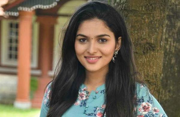 Kayadu Lohar to play the female lead in GVM-Simbu's Vendhu Thanindhathu Kaadu?